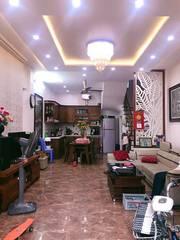 CC bán nhà ngõ 127 Văn Cao-Ba Đình 30m2 phân lô oto đỗ,nở hậu 3.1 tỷ