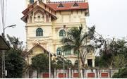 Chính chủ cần bán Biệt Thự Vip Phố Dịch Vọng hậu- Cầu Giấy 272M2 X5T, MT18M, G 49,5 tỷ, KD đỉnh.