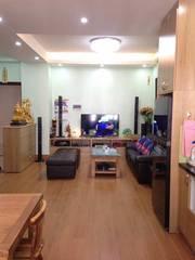 Gia đình bán căn hộ 2PN chung cư Nghĩa đô, 69m2, cửa Tây, nội thất cơ bản, tầng 10.