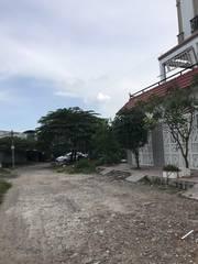 Cần Bán gấp lô đất cạnh chung cư OPAL, DT: 10x18 180m2 DA Minh Phước