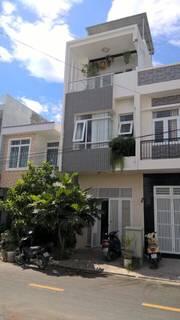 Bán nhà 3 tầng mặt tiền đường số 18a tái định cư lê hồng phong 2