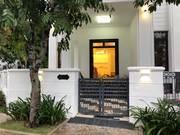 Cần bán căn biệt thự nằm trong khu Vinhome Central Park, Q.Bình Thạnh, cửa chính hướng tây nam