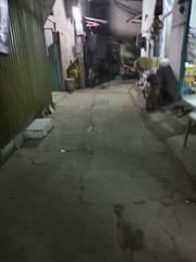 Bán nhà nát hẻm 994 Huỳnh Tấn Phát Tân Phú, Quận 7, DT 5 8m , Hướng đông Nam
