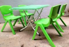 Bàn nhựa trẻ em đủ màu,bàn mặt nhựa chân sắt gập