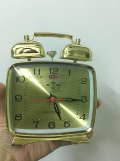 Đồng hồ kiểu cũ đồng hồ báo thức cơ