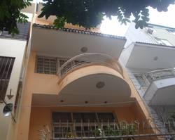 Cho thuê nhà mặt phố Bà Triệu, diện tích 100 m2/sàn  Mặt tiền 5m.