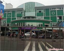 Cho thuê nhà đối diện cổng chính chợ Hạ Long 2