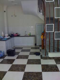 Cho thuê nhà 5 tầng khu Ngã Tư Sở-Hà Nội  miễn trung gian