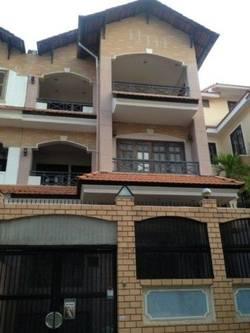 Biệt thự 125F đường Hoa Lan, khu Phan Xích Long, 3lầu, 8m x 18m, giá 58tr/th