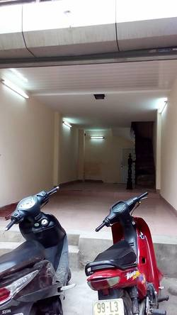 Cần cho thuê cửa hàng   bao gồm cả nhà ở tầng 2 ,3,4 tại phố Thúy Lĩnh .