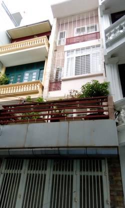 Cửa hàng mặt phố Hàng Ngang 200m2, mặt tiền 7m, 3 tầng