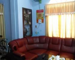 Cho thuê nhà 3 tầng mặt tiền đường Bà Triệu,gần chợ cống