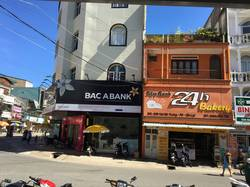 Cho thuê nhà nguyên căn ngay trung tâm thành phố Đà Lạt, ngã ba chợ Cẩm Đô. Tiện kinh doanh.