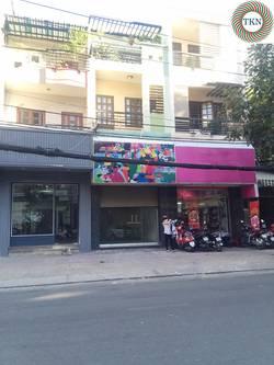 Nhà MT cạnh toà nhà Bitexco cho thuê Hồ Tùng Mậu. Quận 1  DT 4x18.5m, trệt, lầu. Giá TL