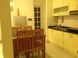 Cho thuê căn hộ phố Quán Thánh, Yên Ninh, 60m2, 2PN đủ đồ nhà mới phù hợp ở và bán hàng online 10tr