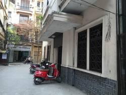Cho thuê biệt thự 3 tầng ngõ 12 Đào tấn, Linh Lang. Diện tích 110m  giá 20tr/1th
