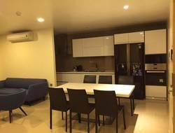 Nhà ngõ 9 Trần Quốc Hoàn. DT 68m2 xây 5 tầng, phù hợp làm Văn Phòng