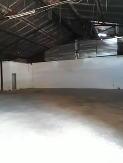 Cho thuê nhà kho DT 200m2 Tôn Thất Thuyết, Quận 4 kho trống sử dụng ngay giá 90.000đ/m2.