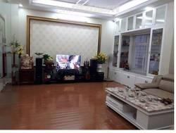 Nhà ngõ 31 Trần Quốc Hoàn. DT 65m2 xây 5 tầng, giá 16 triệu/tháng.