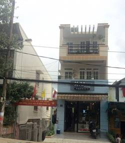 Cho thuê nhà mới nguyên căn mặt tiền trung tâm TP. Đà Lạt làm văn phòng, trung tâm, kinh doanh,...