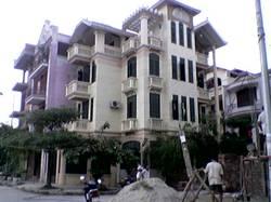 CHO THUÊ LÀM VP : Nhà liền kề, KĐT Linh Đàm, 3 mặt tiền, DT   3,5 tầng x 100 m2, đủ đồ .