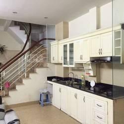 Cho thuê nhà, văn phòng 5 tầng đường Phạm Văn Đồng