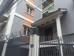 Cho thuê biệt thự ngõ 132 cầu giấy, 122 m2 x 5 tầng cho người nước ngoài.