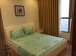 Cho thuê nhà ngõ 304 Hồ Tùng Mậu, 81 m2 chia thành 2 ngủ, full nội thất cho hộ gia đình