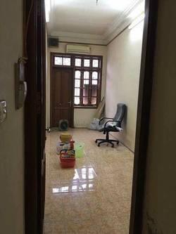 Cho thuê phòng tầng 3 nhà số 135 Nguyễn Lương Bằng