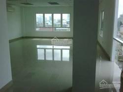 Cho thuê phòng đẹp, rất rộng đường TrườngSơn, Q.Tân Bình, tầng trệt. DT: 28 m2 gần sân bay, CV