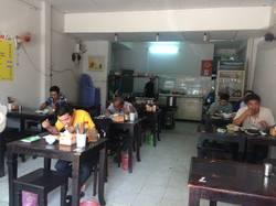 Sang quán ăn đường Nguyễn Du Q.1