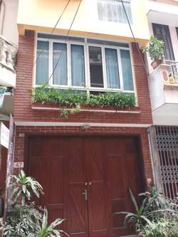 Cho thuê nhà riêng ở ngõ 40 đồng bông 31.5 x 5 tầng cho hộ gia đình