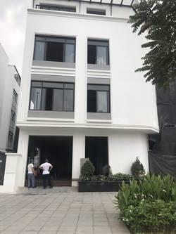Cho thuê shophose mặt đường Hàm Nghi 100m2X5Tang đối diện chung cư vinhomes 60tr/th