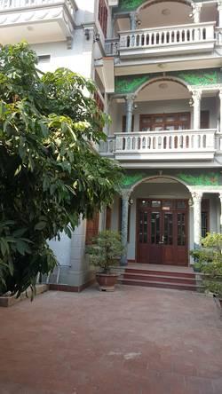 Chính chủ Cho thuê biệt thự đơn lập 250 m2 X 3 tầng đủ nội thất giá 35tr