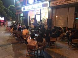 Sang nhượng quán cafe 34 Nguyễn Văn Huyên kéo dài