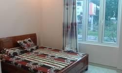 Cho thuê căn hộ dịch vụ mặt đường Nguyễn Khang