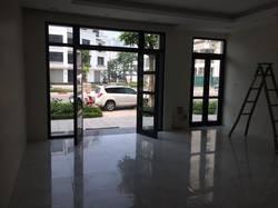 Chính chủ Cho thuê tầng 1 shophouse Vinhomes Gardenia, hoàn thiện cơ bản đẹp, 93m2, 15tr/th,