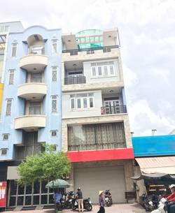 Cần cho thuê gấp nhà nguyên căn MT giá rẻ Tôn Đản, Quận 4  DT 7x17m. Giá 55 Triệu/Tháng