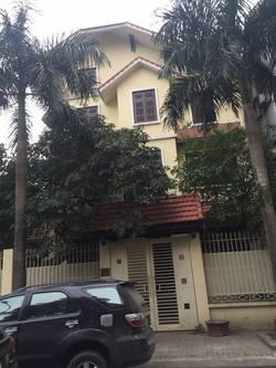 Cho thuê biệt thự 3,5 tầng x 122m2 ở khu đô thị mới Trung Văn,