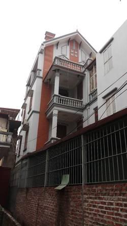 Cho thuê nhà 75 m2 x 4 tầng ở ngõ 151 An Dương Vương,