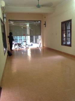 Cho thuê nhà phố hồng hà tân ấp 70m 4 tầng đủ đồ cơ bản oto đỗ cửa. tện ở và kinh doanh giá 15tr