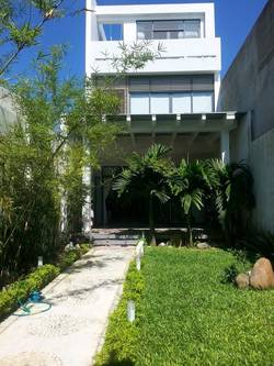 Cho thuê nhà vườn, 4PN, nằm gần đường Võ Văn Kiệt, gần biển