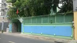 Cho thuê villa biệt thự mặt tiền đường Nguyễn Văn Thủ, Quận 1: 14m x 26m, 3 lầu, 17 phòng, sân vườn.