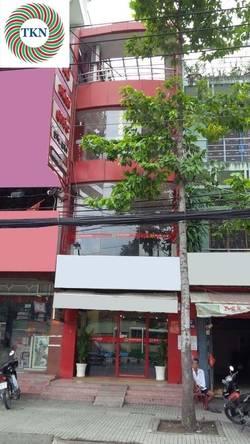 Cho thuê nhà nguyên căn khu trung tâm đường 3 Tháng 2 .Q10.  DT:4.5x18m  Giá: 85 triệu / tháng
