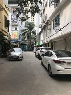 Cho thuê MB DT 50m2 ngõ 20 Nguyễn chánh