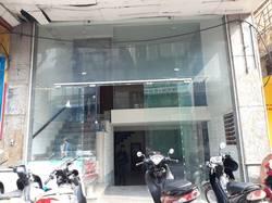 Cho thuê nhà diện tích 60m2 x 5 tầng mặt phố Đội Cấn giá 40 triệu/tháng