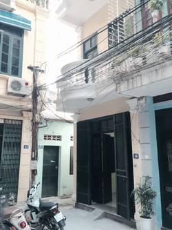Cho thuê nhà mới, 36m2 x 3,5 tầng. Phố Trần Quý Cáp, Đống Đa, HN. 7,6 tr.
