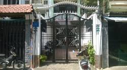 Cho thuê nhà hẻm rộng 8m đường Nguyễn Bỉnh Khiêm, Quận 1: 3.5m x 15m, 4 lầu, sân thượng, sân để xe..