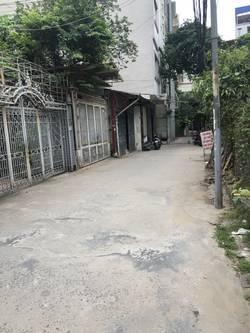 Cho thuê nhà trong ngõ 376 đường Bưởi 120m2,5 tầng giá 17tr/tháng