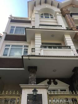 Cho thuê Villa đẹp đường số 3 - KDC HimLam-Q7, Hầm-Trệt-3Lầu, 139 triệu/ tháng